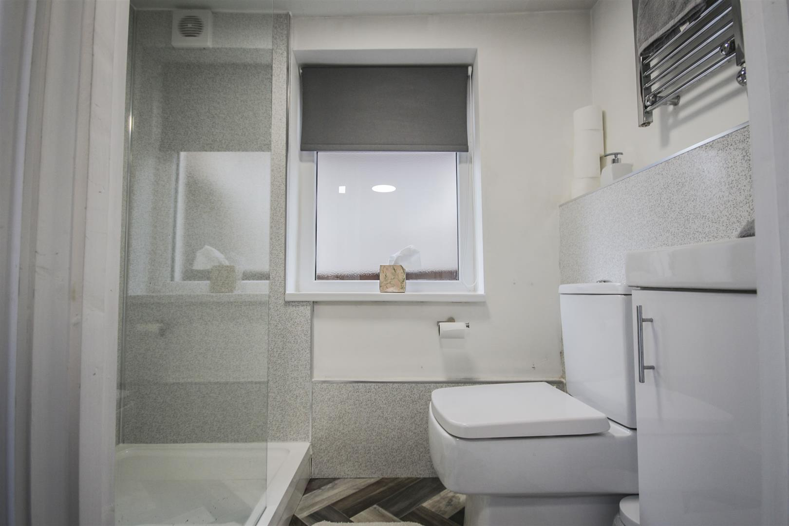 5 Bedroom Mid Terrace House For Sale - _._27.jpg